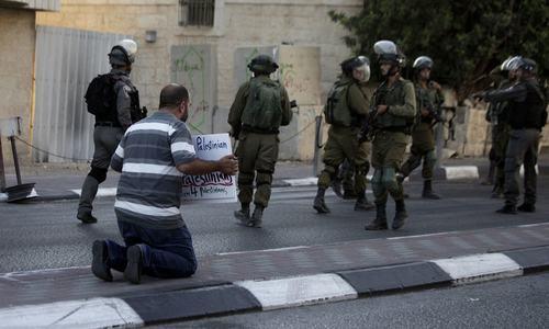 مسجدالاقصیٰ: اسرائیلی پولیس کا فلسطینیوں پر دھاوا