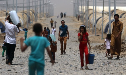 Islamic State families, Mosul displaced live side-by-side in Iraq camp