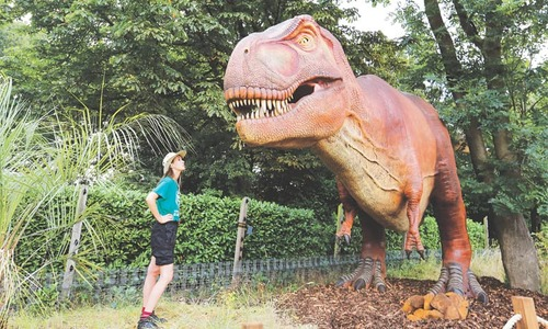 London Zoo welcomes robotic dinosaurs