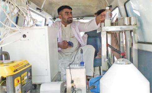 Shops sealed over adulterated milk