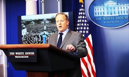 White House spokesman quits as Russia probe deepens