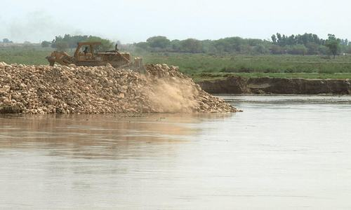 'Work on Hakra dyke reinforcement too slow to outpace rapid rise in river level'