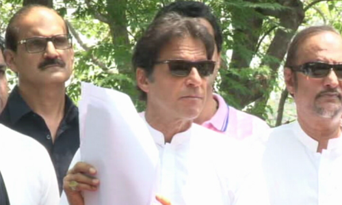 Imran resents comparison between him and Sharif