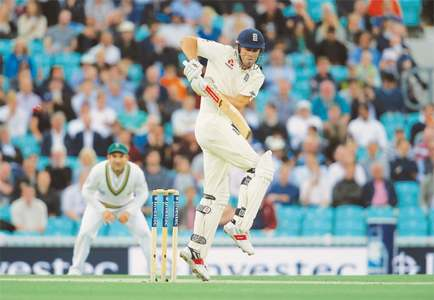 Cook stands firm as England struggle in Oval's 100th Test