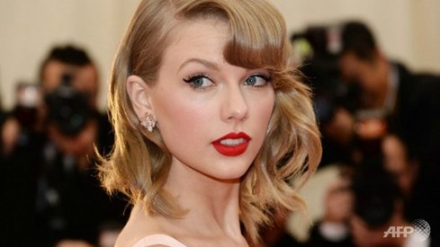 Taylor Swift groping trial: jury selection begins