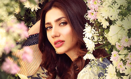 We actors know how to paint smiles on our faces and carry on: Mahira Khan