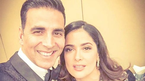 Akshay Kumar gets a Hollywood shoutout from Salma Hayek for Toilet: Ek Prem Katha