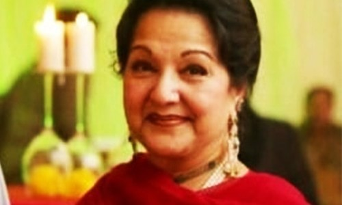 NA-120 by-poll: ECP accepts Kulsoom Nawaz's nomination papers