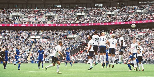 Alonso double spoils Spurs' Wembley house-warming