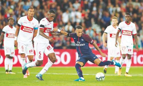 Neymar unstoppable on home debut as PSG thrash Toulouse