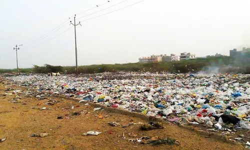 KMC, property firm ink MoU on removing piles of garbage in city
