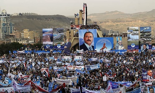 Yemenis pour out in support for former president Saleh