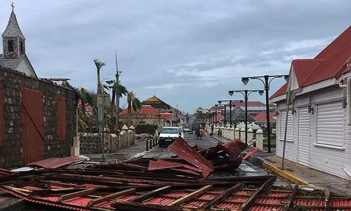 7 dead as Hurricane Irma slams Caribbean