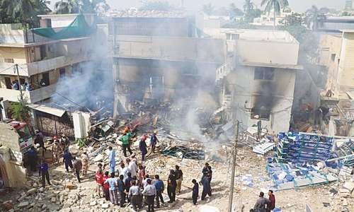 Worker dies, another hurt as fire destroys warehouse