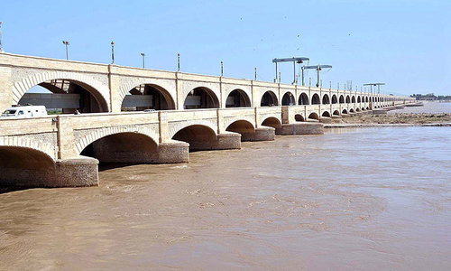 CM asks British minister to trace experts who built Sukkur Barrage in 1932