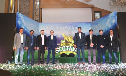 Wasim Akram stars as Multan Sultans unveil logo in Karachi