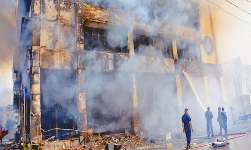 Fire engulfs multi-storey building in Clifton