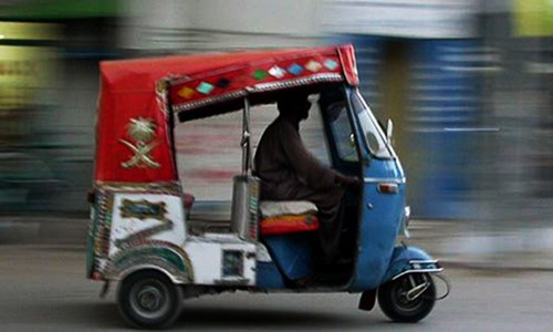 Consumer court orders rickshaw company to refund price