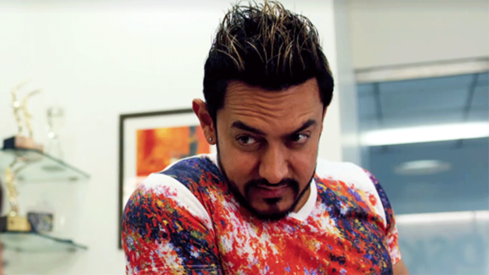 Aamir Khan debuts his crazy new look for Secret Superstar and his crew has a field day
