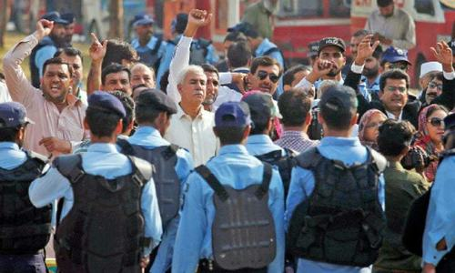 Islamabad admin, police 'in the dark' over Rangers' deployment at court
