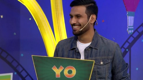 Watch Zaid Ali T talk about his dupatta obsession on Knorr Noodles Boriyat Busters!