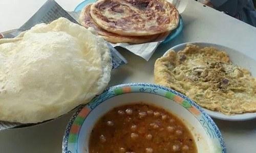 کراچی میں دیسی ناشتہ کرنے کی بہترین جگہیں