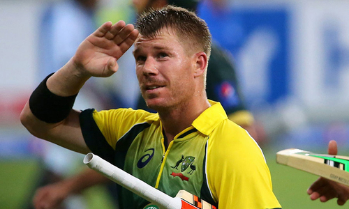 Warner fires salvo to spark Aussies for Ashes battle