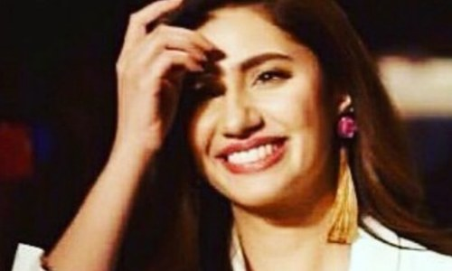 Let nobody's opinion define who you are, says Mahira as she's announced L'Oréal spokesperson
