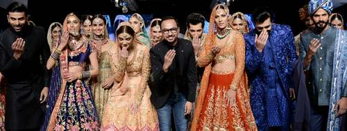 Nomi Ansari's colourful signature shines the brightest on PLBW Day 3
