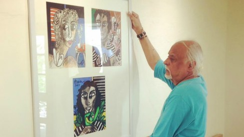 Anwar Maqsood exhibits his paintings in Karachi