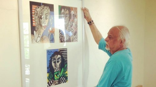 Anwar Maqsood exhibits his paintings in Karachi