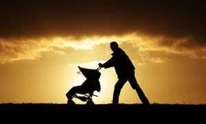 Swiss govt opposes paternity leave