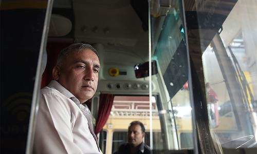 'What a brave nation': heroic bus driver hails SL cricketers on return to Pakistan after 2009 terror