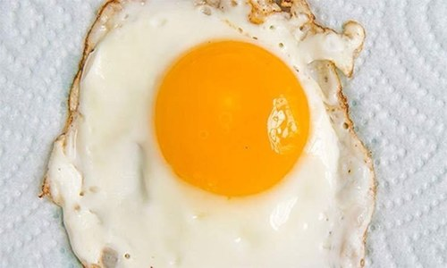 انڈے پکاتے ہوئے یہ احتیاطیں کرنا نہ بھولیں
