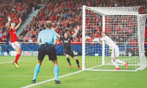 Chelsea snatch draw as United, PSG, Barca stay perfect