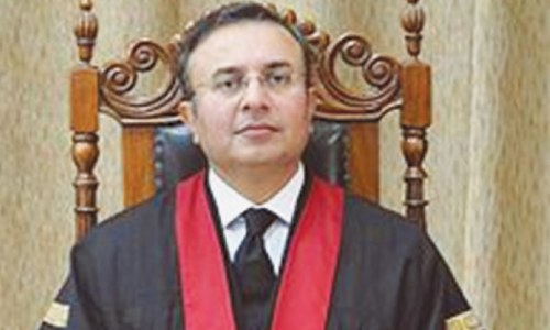 Voters have right to elect defaulter or disqualified person: LHC chief justice