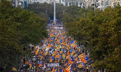 Huge crowds protest as Spain moves to sack Catalan govt