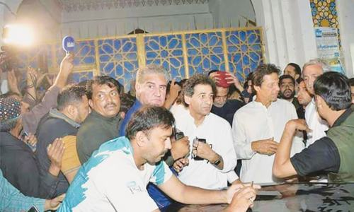 Imran blames PML-N, PPP for economic ills