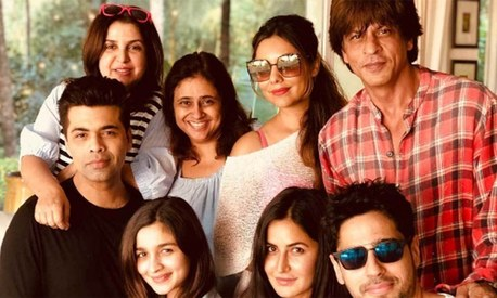 Shah Rukh Khan celebrates 52nd birthday in a small but beautiful farmhouse getaway
