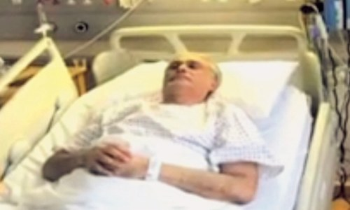 Screengrab of Finance Minister Ishaq Dar in the hospital.