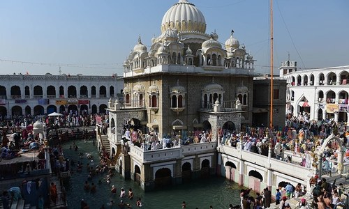 Guru Nanak, Wali Qandhari and other stories about how Hasan Abdal got water
