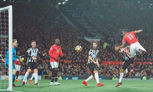 Manchester clubs triumph again as United stars return