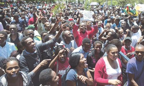 Mugabe to face key impeachment test as Zimbabwe crisis deepens