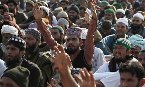 Govt enlists help of religious scholars to end Islamabad sit-in