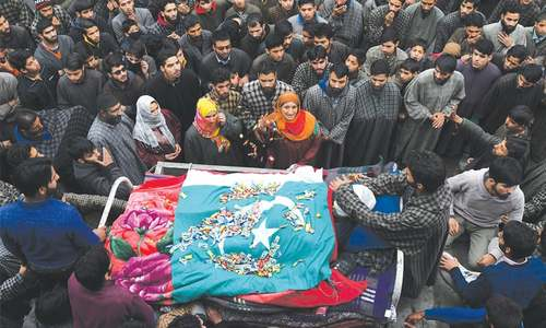 Commando killed in held Kashmir gun battle