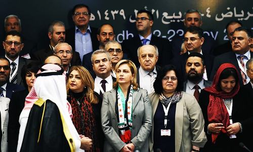 Syria opposition meets in Riyadh under pressure to compromise