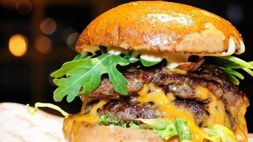 Weekend Grub: Does new burger joint Jucy Lucy live up to its Karachi Eat hype?