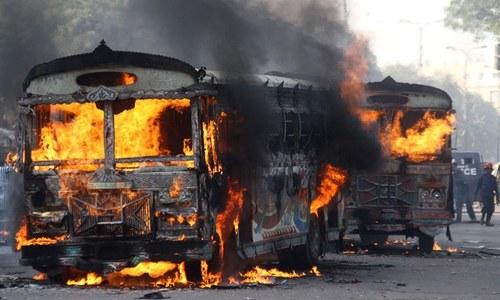 کراچی: بس ڈرائیور کی لاپرواہی سے ننھی بچی جاں بحق