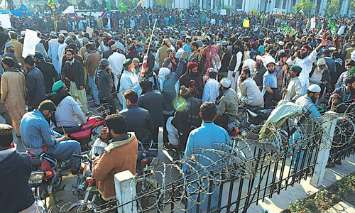 Volatile situation restricts people indoors in Lahore