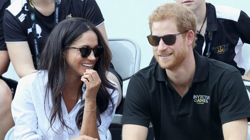 Royal Family announces Prince Harry and Meghan Markle's engagement